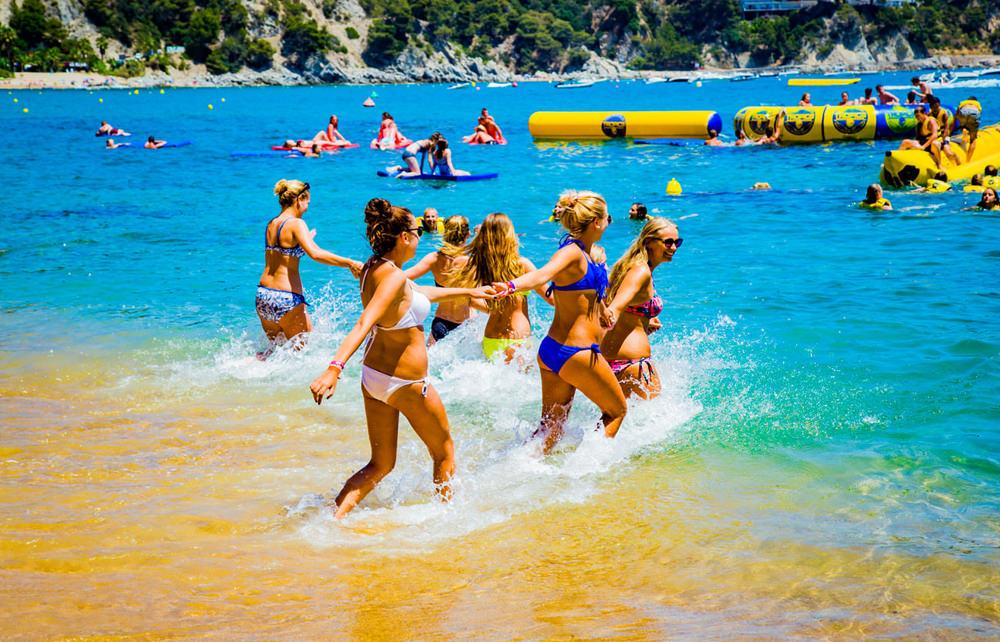 Beachparty Ausflug - Mädchen Wasser