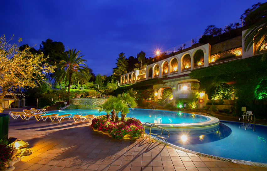 Hotel Guitart Central Park - Lloret de Mar - Pool Nacht